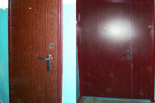 двери металлические тамбурные со встроенным домофоном