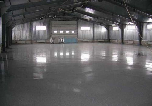 Промышленные бетонные полы: преимущества и недостатки