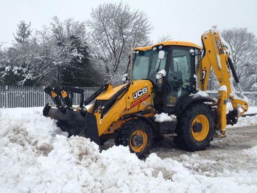 Механизированная уборка территории от снега